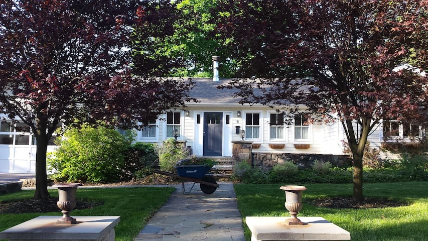 Modern Cottage in Warwick N.Y. - 워릭(Warwick)