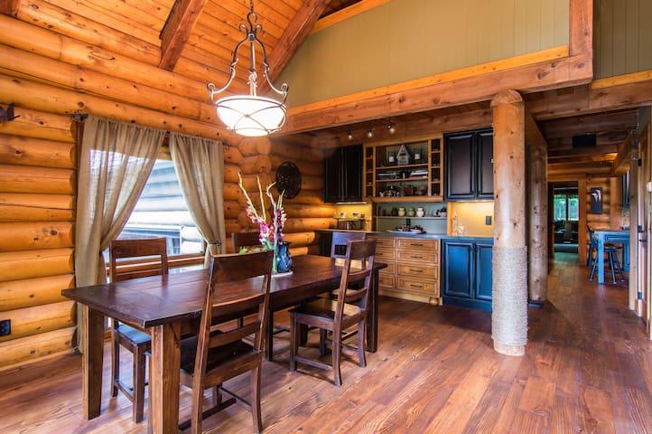 Woodhaven Cabin Guest Room & Loft - Canton - Hytte