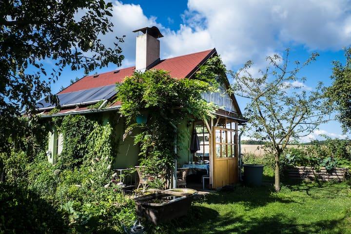 Cosy garden house - Úhonice - Casa