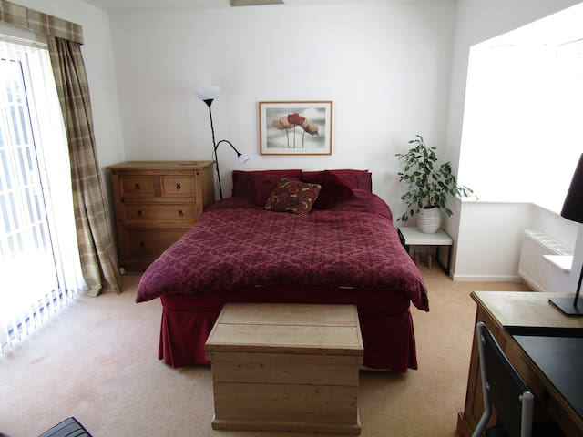 Spacious Ground Floor King Room in Bromsgrove - Bromsgrove - Huis