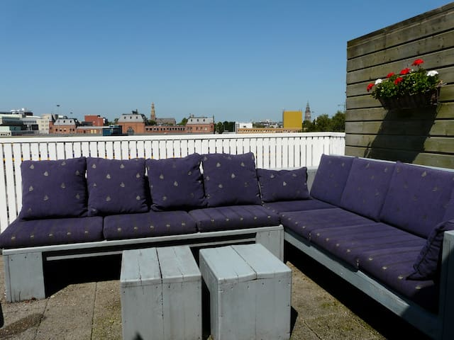Room with private living-room and roof terrace. - Groningen - Daire