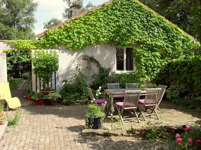 Cosy Room, Romantic Garden - Coburg - Huis