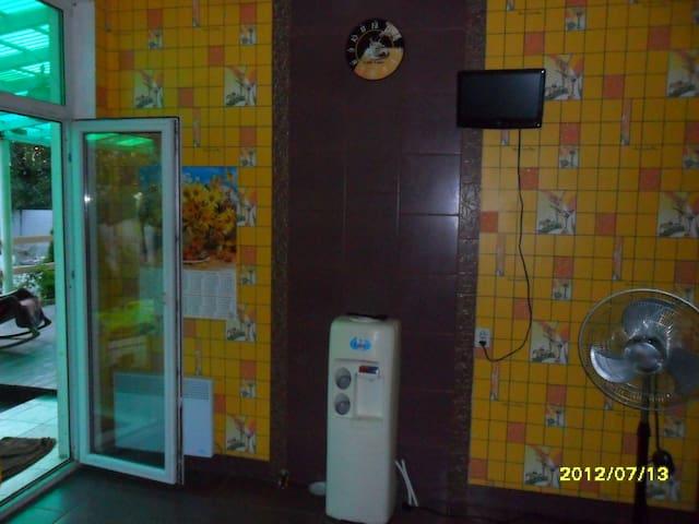 комфортный коттедж - Kiev - Huis