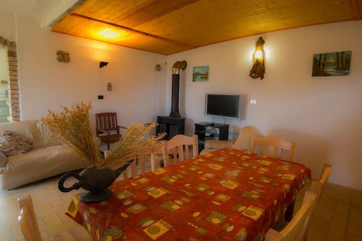 "Agriturismo ""Il Nibbio"" - Resort - Muraglie"