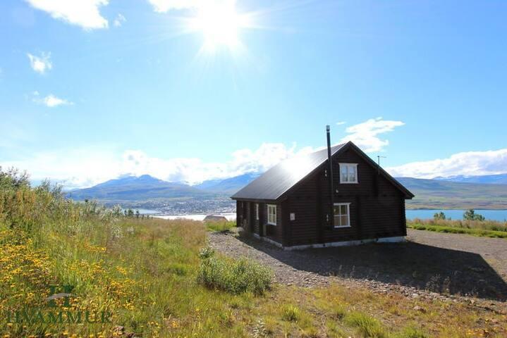 Ubbastaðir a beautiful house with great view - Akureyri - Hus