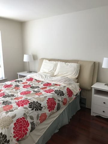 Private Bedroom Near Exton Station(Free Breakfast) - West Chester - Adosado