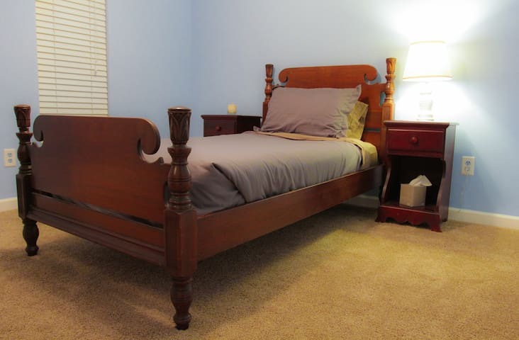 Clean, Chill, Quiet Home 4 mi from Downtown BHM - Birmingham - Huis