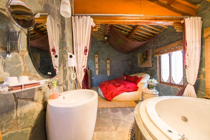 浪漫蜜月大床房 - Lijiang Shi - Loft