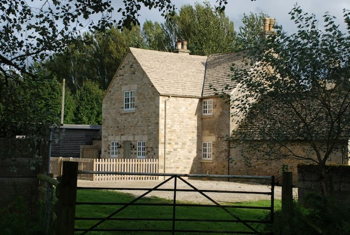Hyde Mill Cottage - Stow on the Wold - Huis