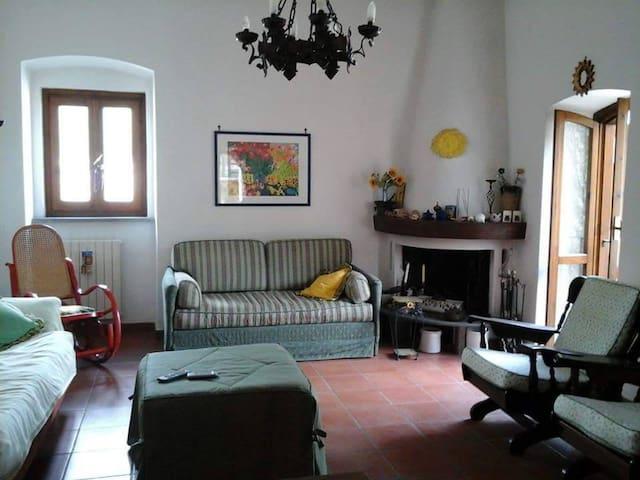 Villa 2 piani Itri centro - Itri - House