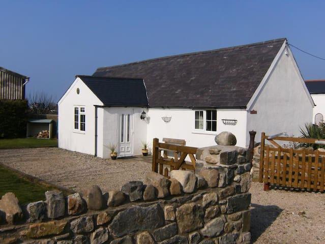 The Coach House at Llyn Retreats - Llangwnnadl - Bungalov
