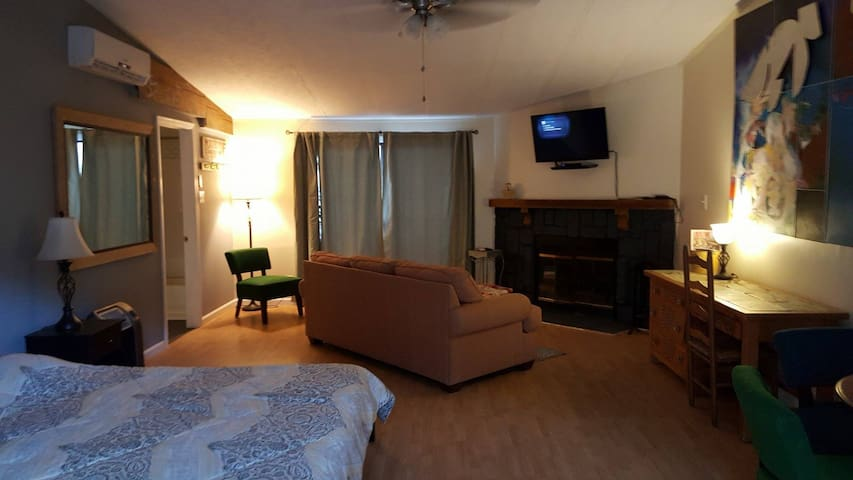 Inn at MST, Suite - Madrid - Daire