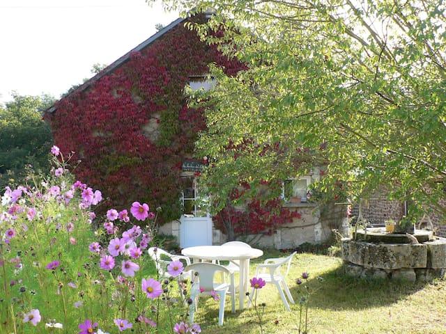 Gîte à la campagne - Luzeret - Hus
