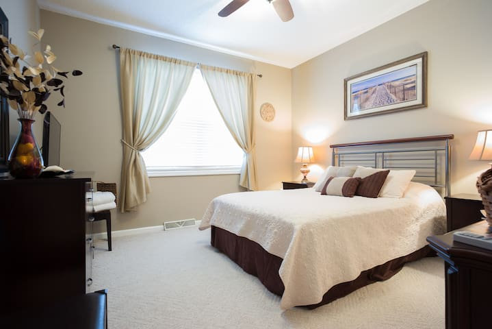 Private room in Southern style home - Goose Creek - Hus