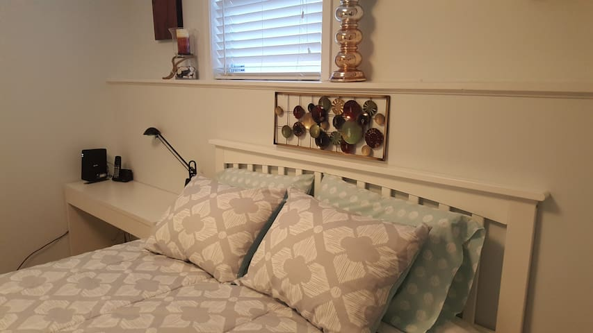 PRIVATE BASEMENT APT  12 MIN  FROM  NAVAL ACADEMY - Annapolis - Hus