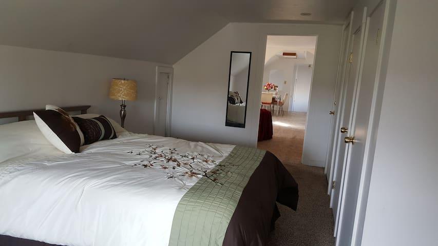 Near downtown, QUIET private upstairs apartment! - Spokane - Apartemen