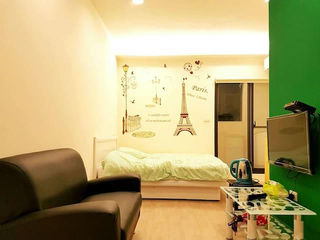 【夢想巴黎】 近基隆廟口 附近有室內停車場 地點優交通便利 - 基隆市 - Leilighet