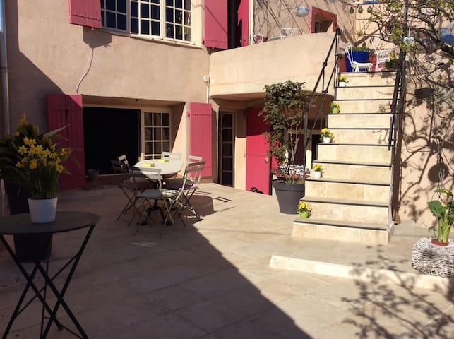Bas de maison de village 60m2 - Fuveau - Huis