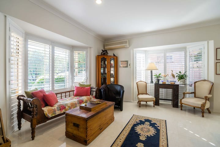 Your home away from home - East Gosford - Casa