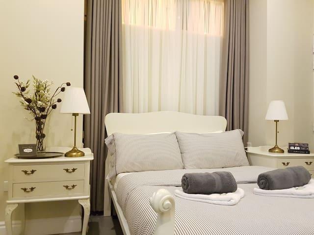 New, Seaside bedroom, Private bathroom, in Gzira - Il-Gżira - Apartotel