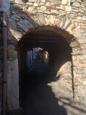 Casa nel borgo antico - Brovello-Carpugnino - Дом