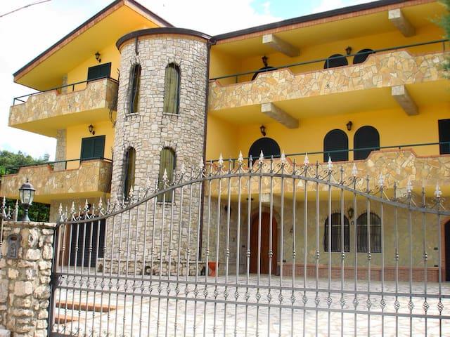 Villa molto tranquilla - San Giorgio - Vila
