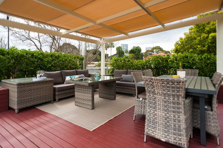 Huge penthouse with roof terrace and BBQ - Wollstonecraft - Daire