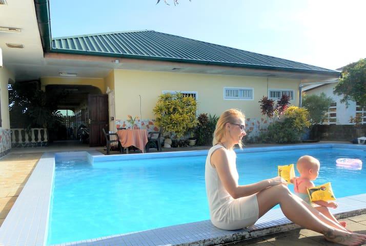 Vakantieappartement Morgenstond met zwembad - Paramaribo