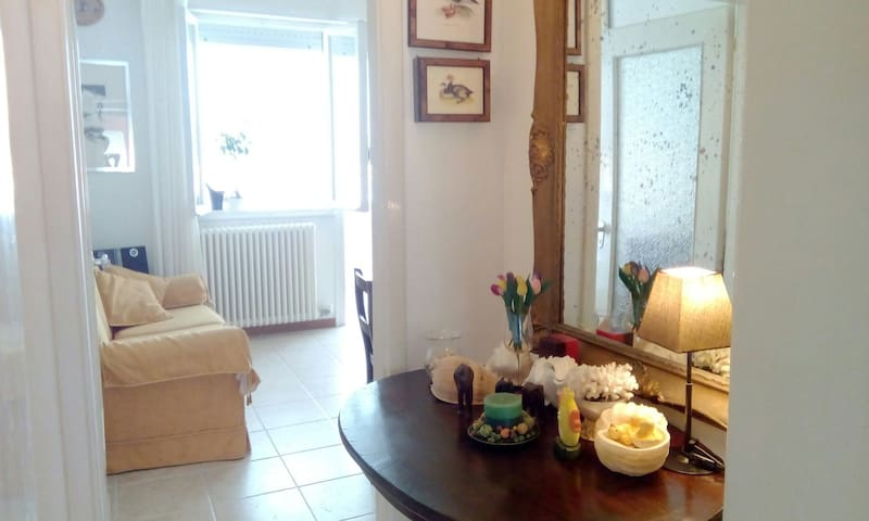 APARTMENT CLOSE TO THE BEACH - FREE PARKING - Jesolo - Daire