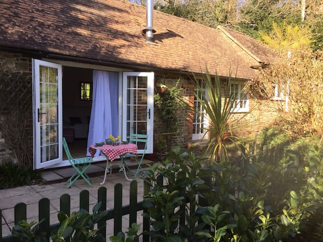 Quaint and cosy one bedroom cottage - Liphook - Rumah