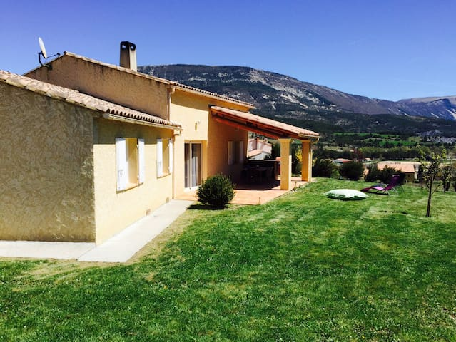 Villa avec vue sur le Lac de Castillon - Saint-André-les-Alpes - Villa