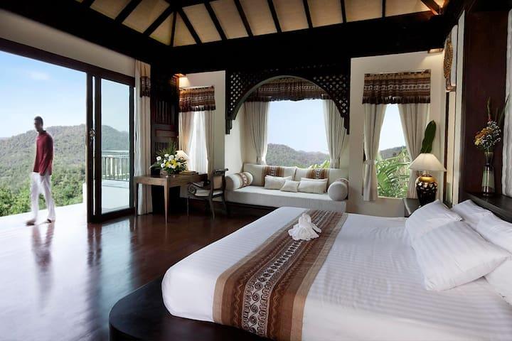 Stylish, Exclusive Luxury Pool Villa Chiang Mai - Villa