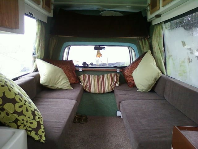 Cosy Campervan in the Garden - Cardiff - Karavan/RV