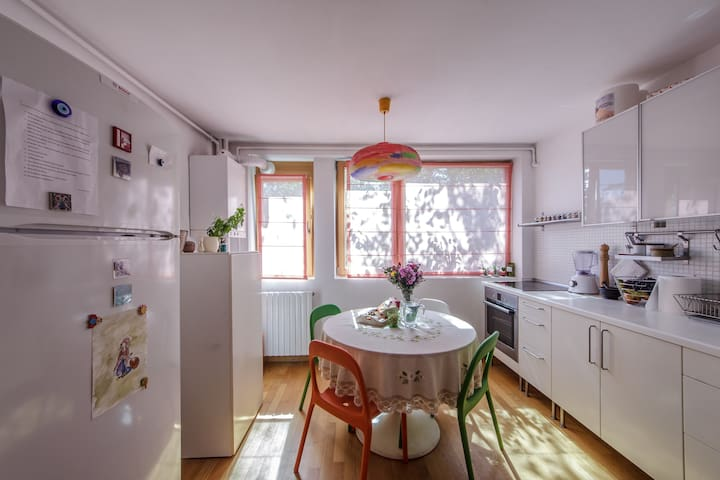 Cozy 2BD Apartment in a Green Area - București
