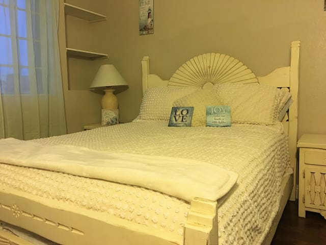 Lighthouse Room - Moreno Valley - Huis