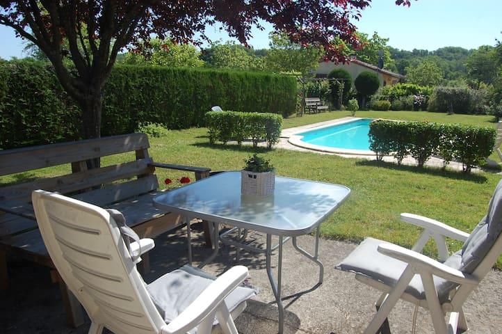 Gezellig compleet huis met prive zwembad - Touzac - Casa