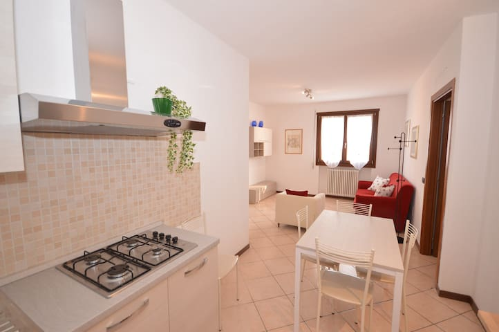 Comfortable two bedrooms apartment 5 single beds - Montecchio Maggiore-Alte Ceccato - Lägenhet