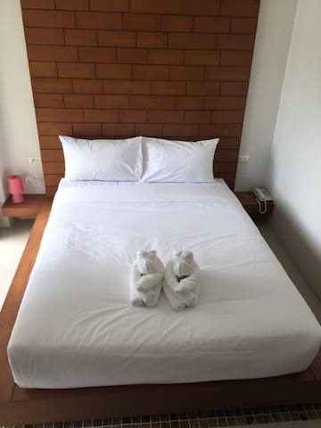 W Place Patong - Long Term Rental Rooms - Tambon Patong - Bed & Breakfast