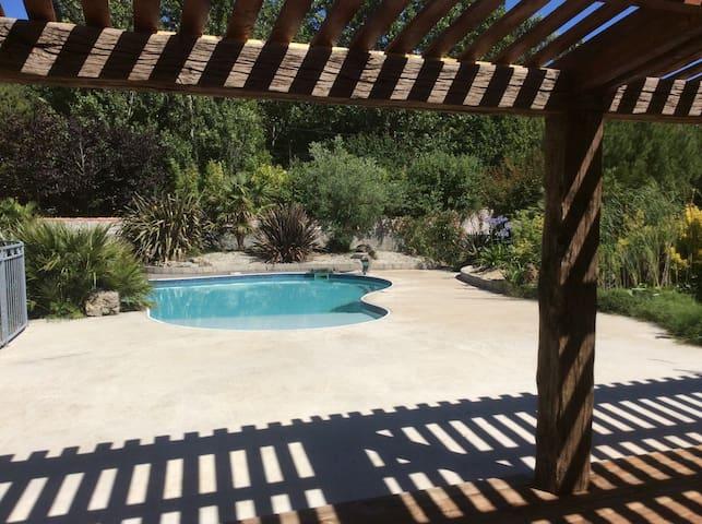 Gîte en pierre avec piscine - Marans - Casa