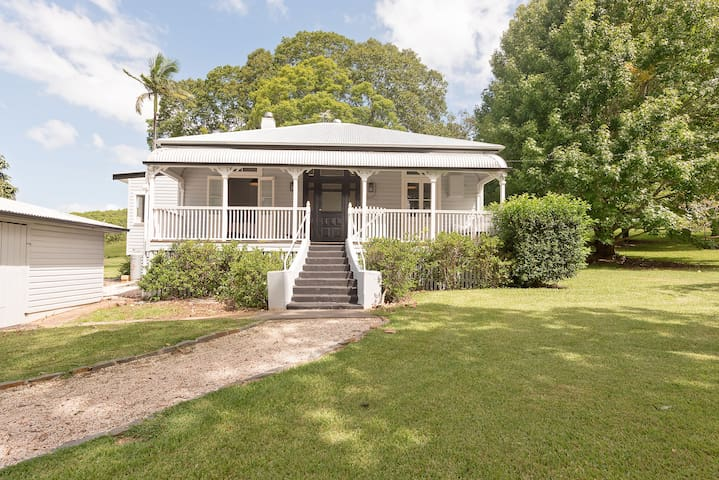"""""""The Meadows"""" historic home in the hinterlands - Pearces Creek - Huis"""