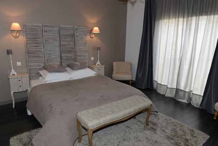 La Maison d'Hotes de Saint Leger - Saint-Léger-en-Yvelines - Hus