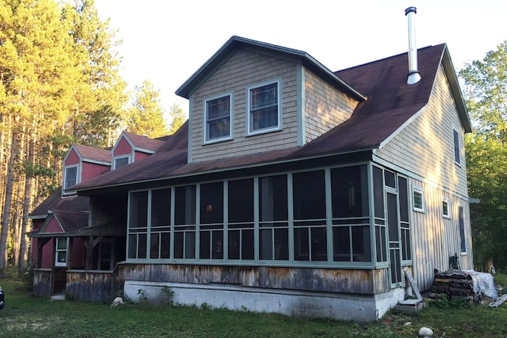 Classic, cozy bungalow near Saco River - Brownfield - Hus