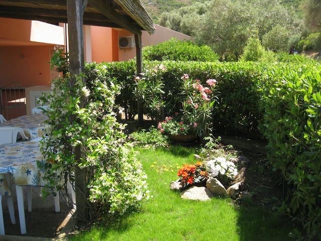 House with garden- Palau - Pulcheddu - Casa