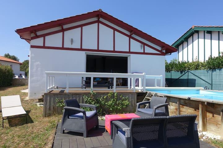 Maison au Pays Basque avec piscine - Ustaritz - Hus