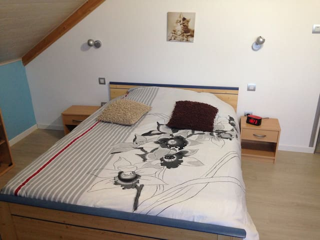 Chambre avec lit double - La Chenalotte  - Дом