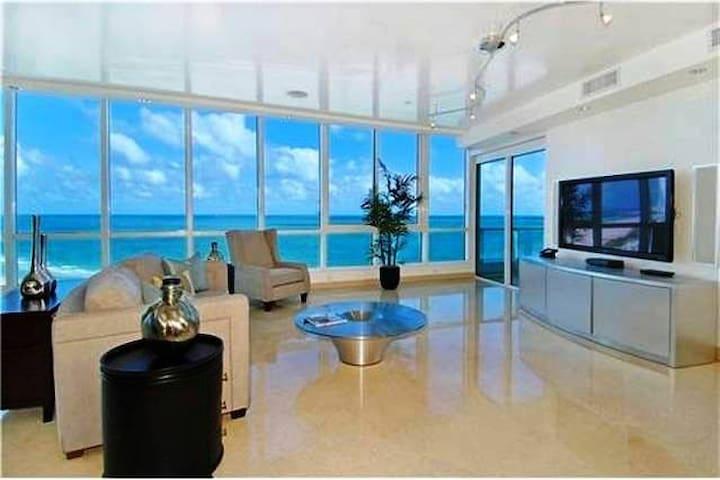 Modern Condo - Miami - Appartement en résidence