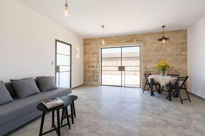 Great Comfort Private Historic Home - Kvutzat Shiller
