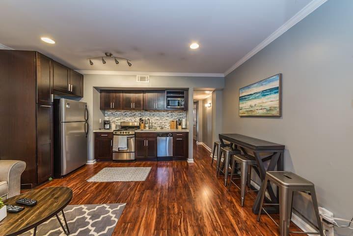 Modern Apartment on Historic Forsyth Park - Savannah - Leilighet