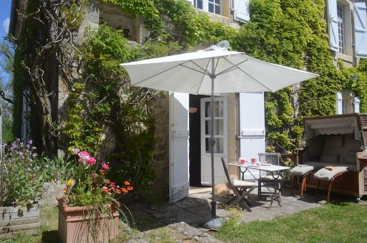 Gite Getaway in Sunny Serignac - Sérignac
