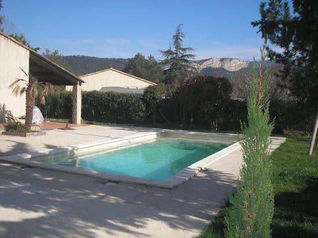 Agréable studio en Provence - Auriol - Квартира